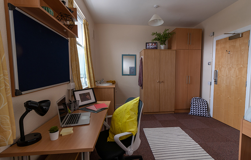 Goldsmiths_Larger_Room-1.jpg