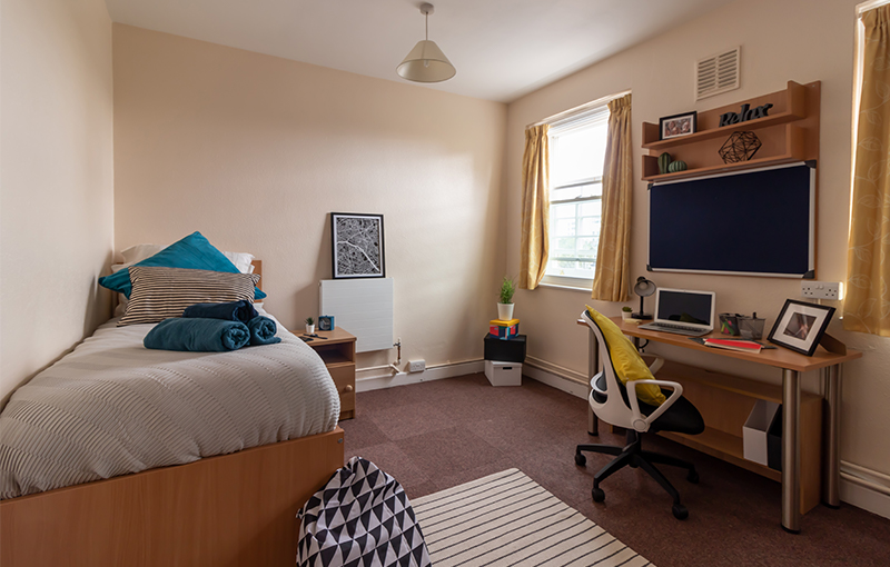 Goldsmiths_Larger_Room-3.jpg